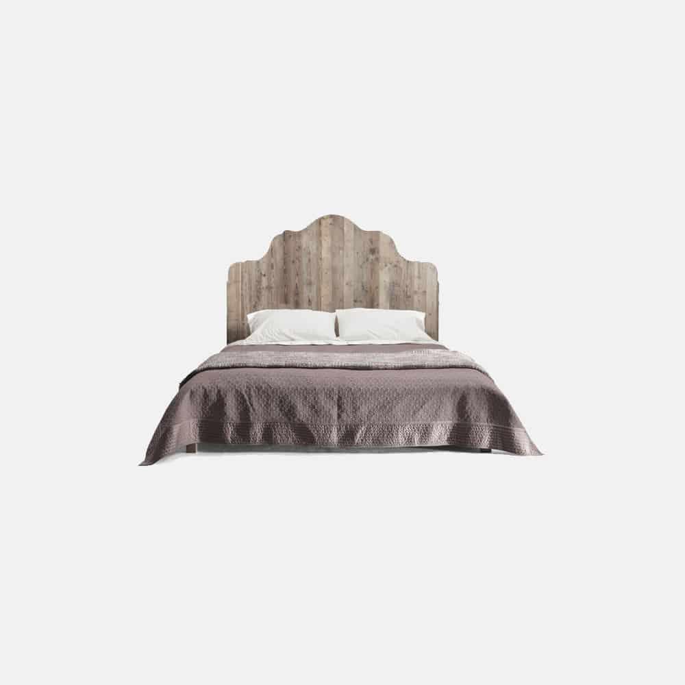 Letto matrimoniale in legno con testata sagomata - Design Alpino