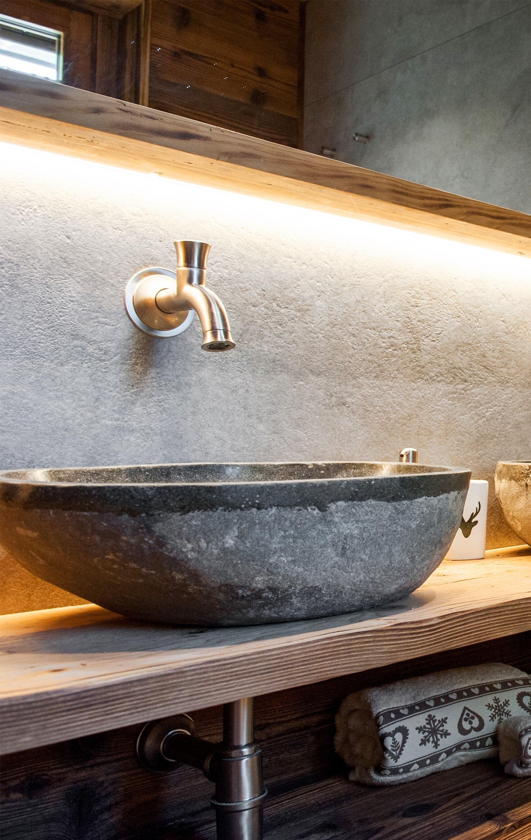 Lavandini Rustici In Pietra come scegliere l'arredamento rustico contemporaneo per una
